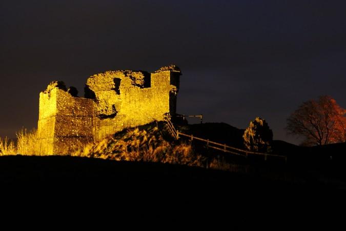 Kendal Castle-min